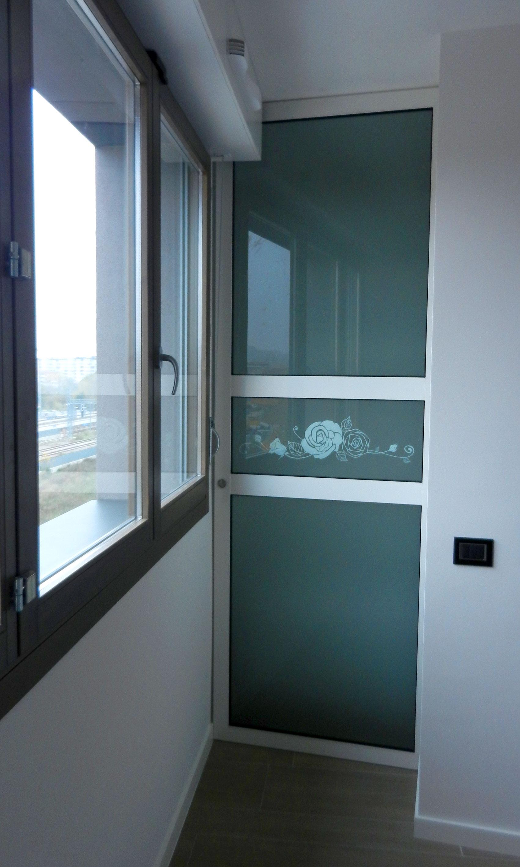 Porta in vetro satinata decorata