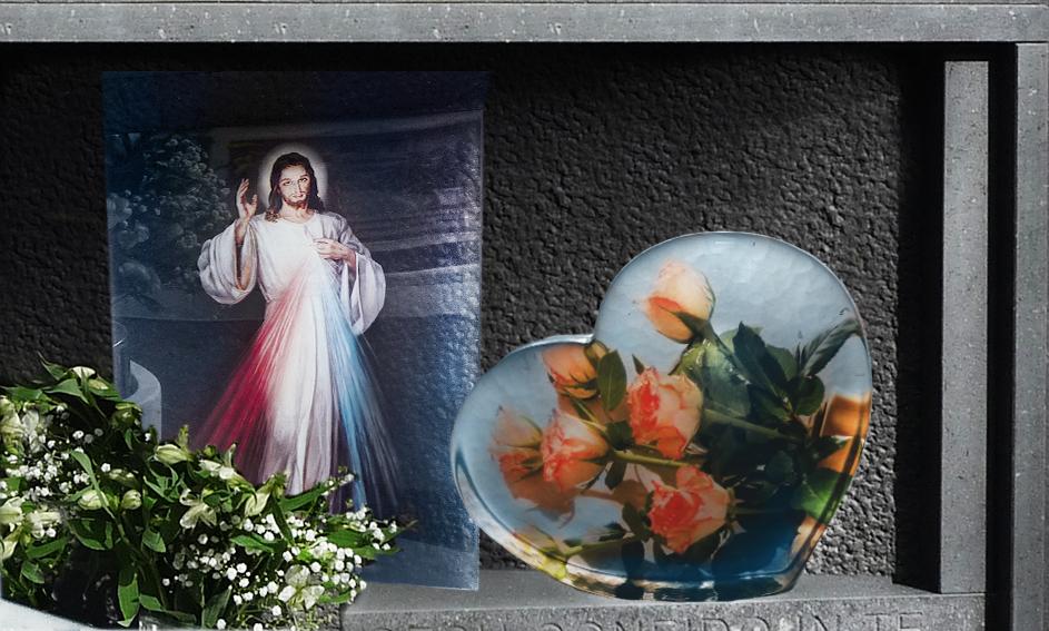 Accessori in vetro per arredamento funerario