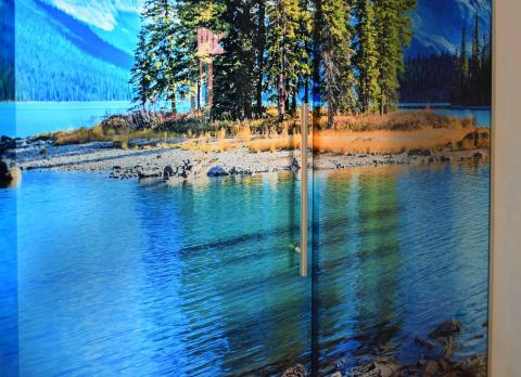 Stampa su vetro di un paesaggio per porta a vetri scorrevoli