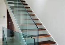 Parapetto in vetro per scala