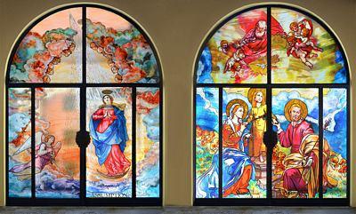 Porte a vetri con stampa di immagini religiose